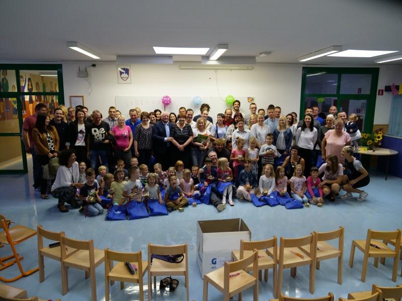Miha je razveselil prvošolčke v Mokronogu