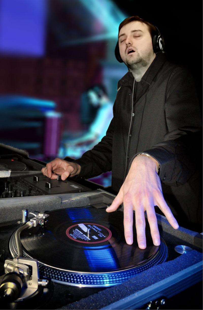 Najbolj zaspan DJ!