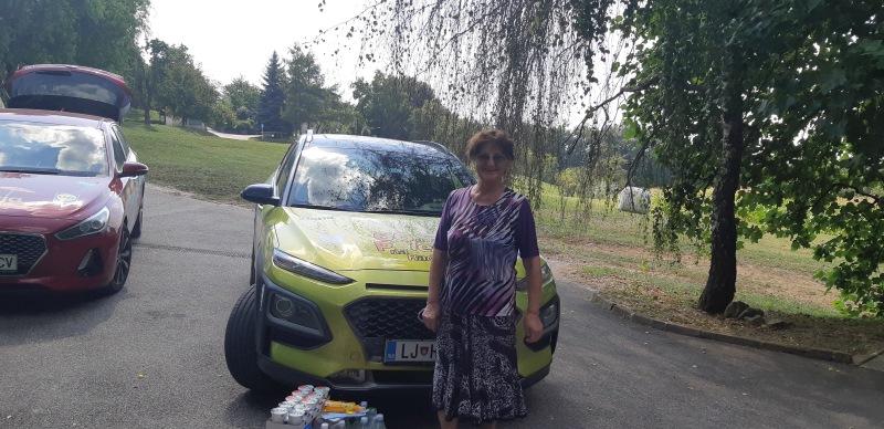 Za nagrajenko Metko je nagrado prevzela babica Ivanka