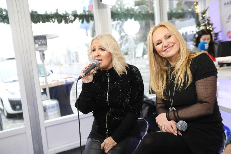 Alenka & Nuša zapeli pesem: Kot nekdo, ki imel me bo rad
