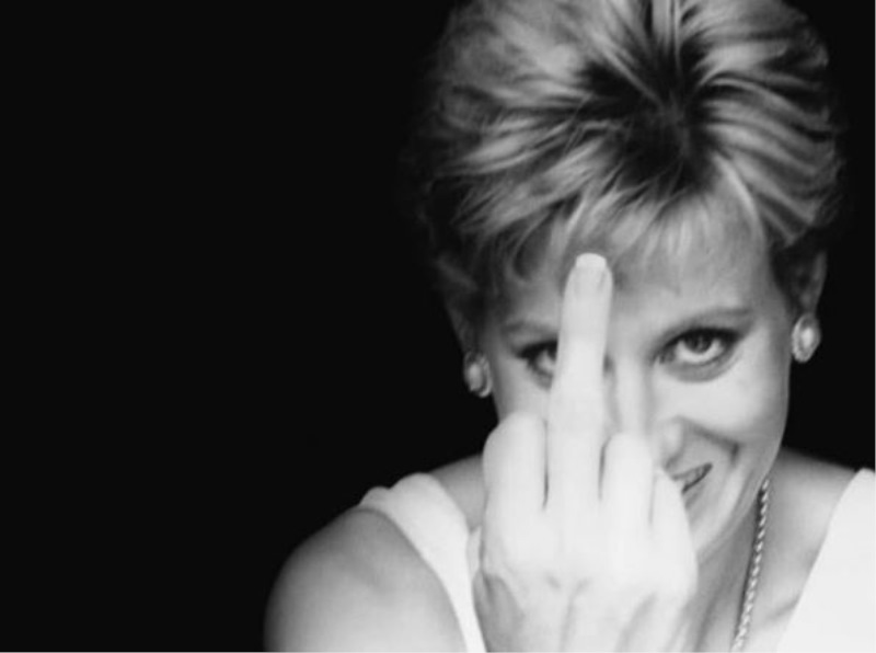 Princesa Diana ni nikoli pozirala pred fotografijami s sredincem ... razen na slikah Alison