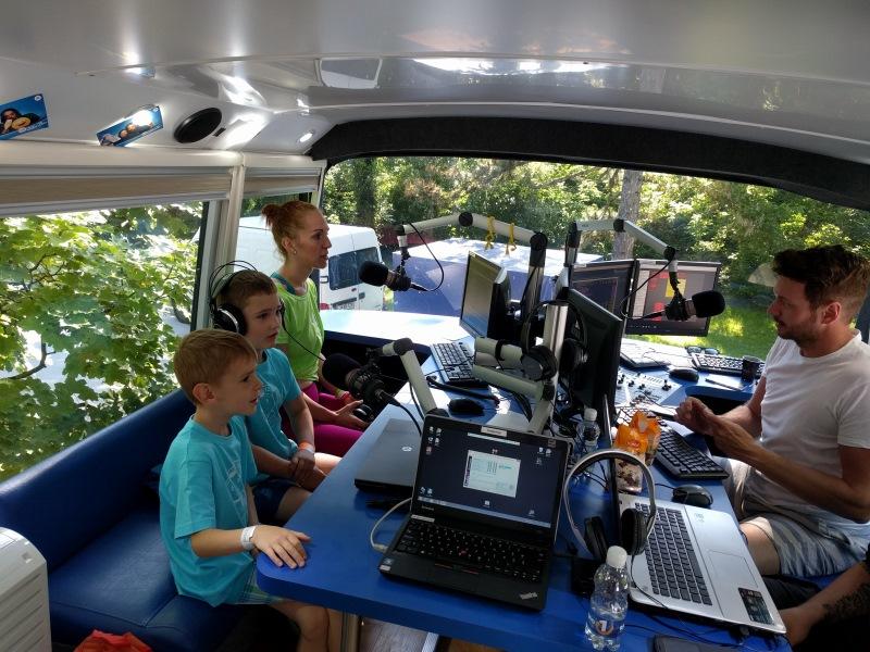V živo z Avtobusa Radia 1