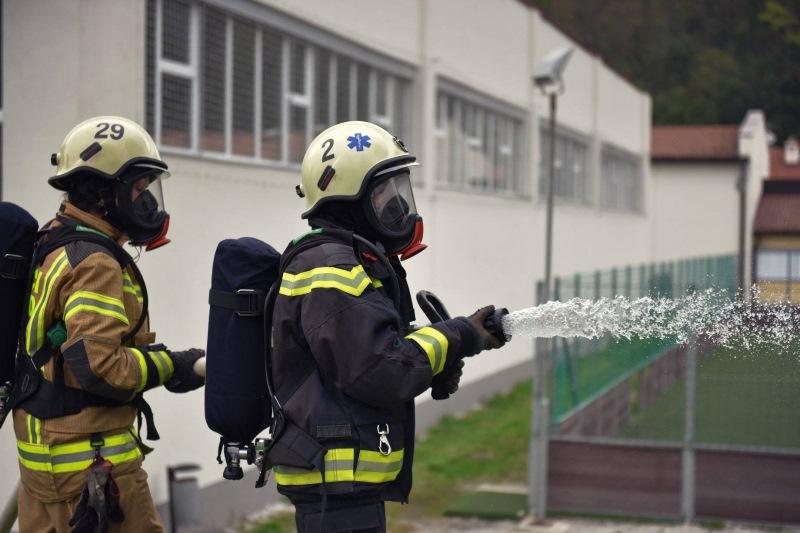 Kobariške gasilke na posebni intervenciji
