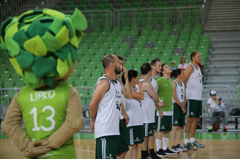 Košarkarska tekma v Stožicah