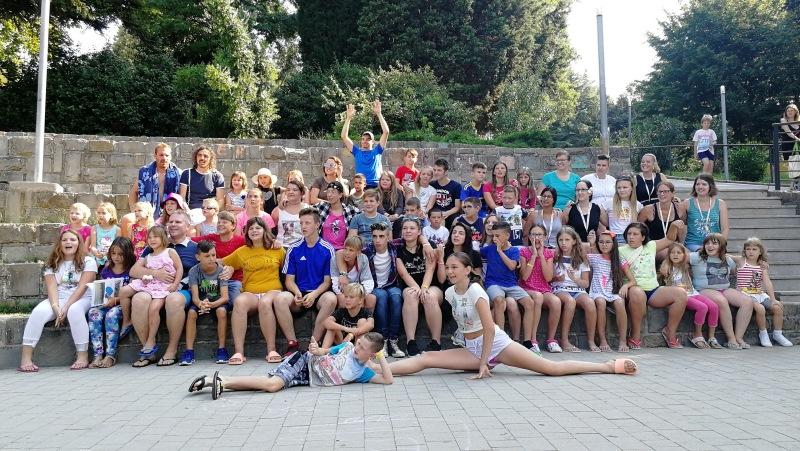 Deželak obiskal otroke na Debelem Rtiču