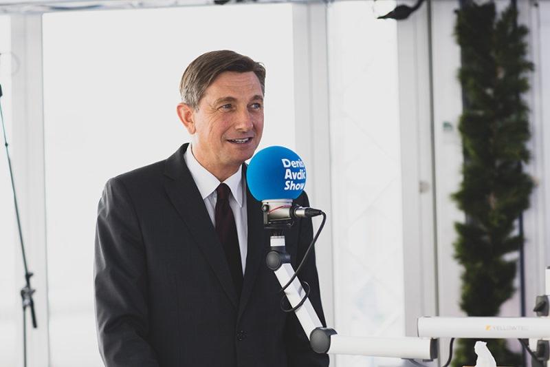 Borut Pahor je prinesel čokoladice za štiri prijatelje!