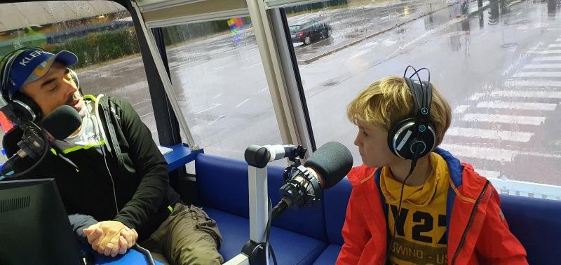 Poslušalec poklepetal s Tomažem, brez težav ;)