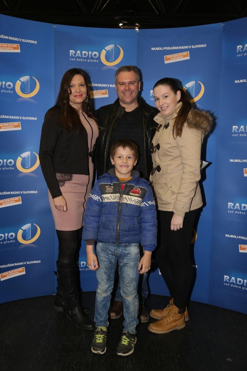 Miha Deželak z družino
