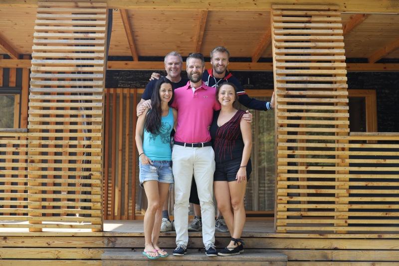 Ekipa Denis Avdić Showa z lastnikom mobilne hiške, ki ni imel pojma, kdo se skriva pri njem